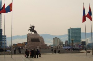 sukhbaatar square (800x529)